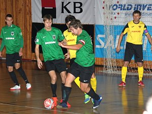 Futsalisté baníku (zelení) tentokrát nezaváhali.