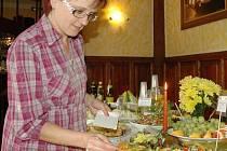 Ochutnávka zdravých jídel v restauraci U Zlatého kaštanu.