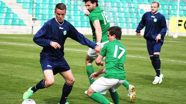 Střelec dvou gólů Martin Boček (č. 18) a Marek Strada (č. 17).