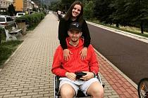 Ondřej Buchtela, který je momentálně odkázaný na vozíček, má kolem sebe skvělé lidi.