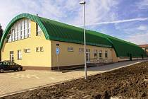 Nová sportovní hala je ve Strupčicáích v provozu od prosince loňského roku.