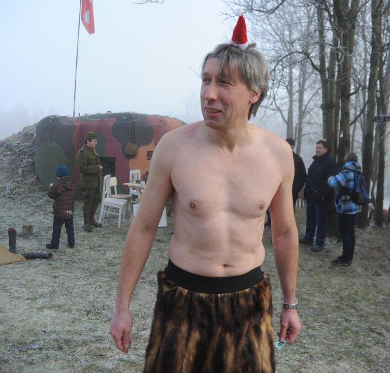 Martin Míchal se vsadil, že na Kočiák dorazí polosvlečený. Vyhrál.