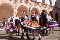 Viktoriánské folklórní slavnosti.
