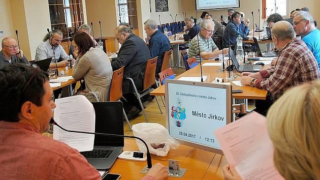 Jednání jirkovských zastupitelů. Archivní foto