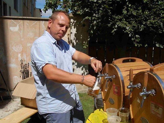 Na poslední akci Prvního občanského pivovaru Karásek a Stülpner se také testovala první várka žhavé novinky zázvorového piva. Pivovar chce tímto způsobem obohatit náš pivní trh.