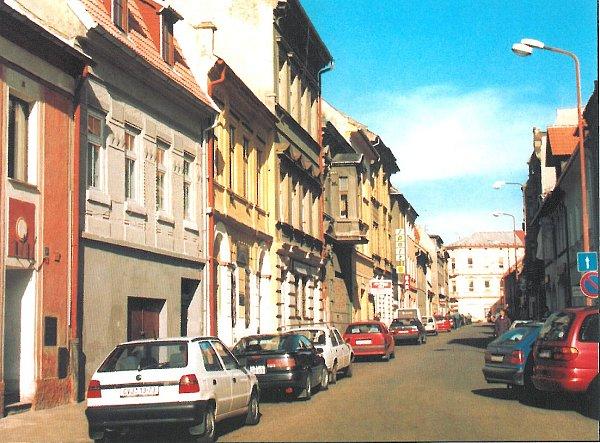 Revoluční ulice vroce 1998.