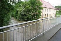 Voda zaplavila i základy zámečku.