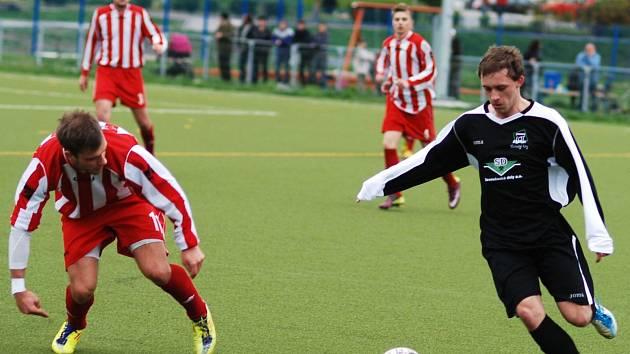 Jakub Kiliján (s míčem) odehrál výborný zápas