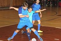Tým loKo Chomutov (světle modří) hraje I. ligu CHLMF už od jejího založení dlouhých 29 let.