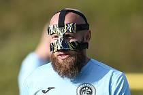 Jako viking vypadal v minulém hracím víkendu špílmachr Chomutova Patrik Gedeon, který nastoupil s obličejovým krytem.