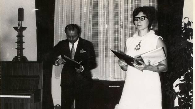 V dalším díle našeho historického seriálu se vrátíme do roku 1974, V Kadani v tu dobu probíhaly recitály a večery poezie.