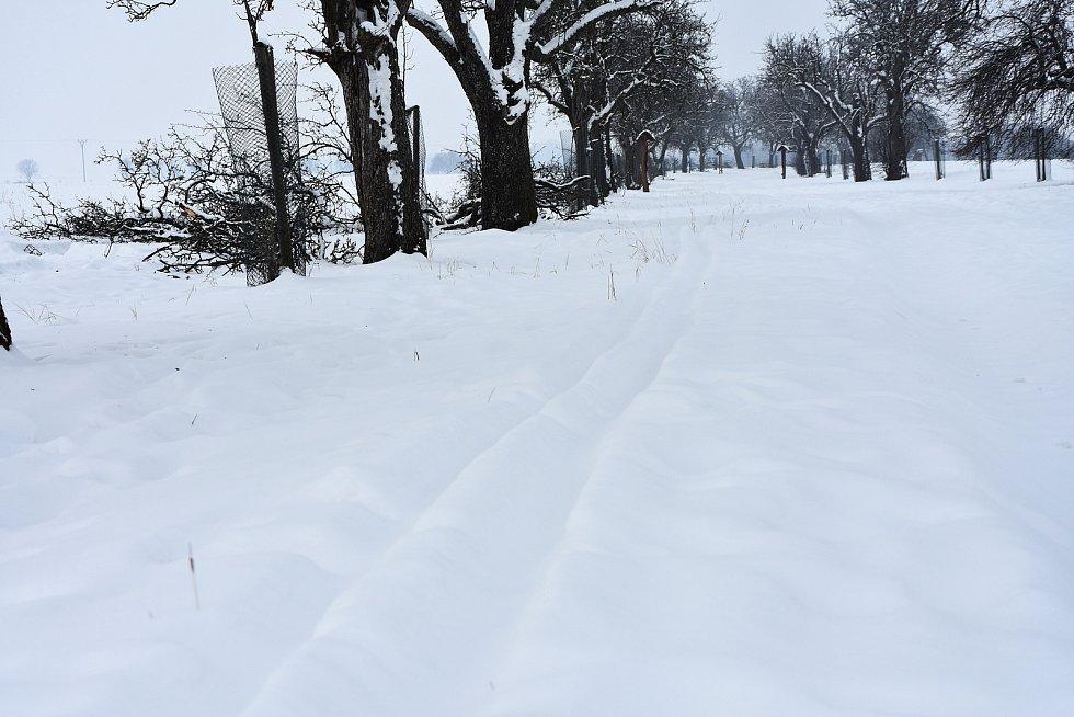Bílou stopu ve Vrskmani udělal ve volném čase jeden z místních lidí. Pár desítek běžkařů už ji vyzkoušelo.