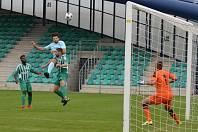 Tuhle hlavičku ještě gólman Martinu Bočkovi chytil, pak ale po jeho střelách dvakrát kapituloval.