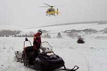 Na Klínovci se vážně zranila snowbordistka.