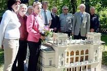Miniatura chomutovského divadla.