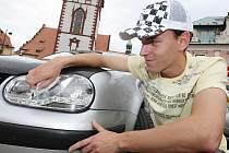 Na sraz tuning automobilů se chystá také Michal Polášek z Chomutova se svým speciálně upraveným osobním automobilem Golf.