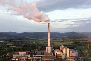 Pohled na areál prunéřovské elektrárny.