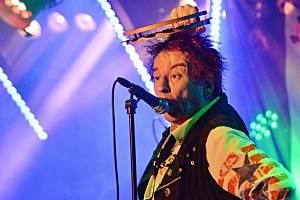 Měsíc červen nabídne 18. 6. punkový večer v areálu Hřebíkárna s kapelami Totální nasazení, SPS nebo Pirates Of The Pubs, Plexis a Do řady!.
