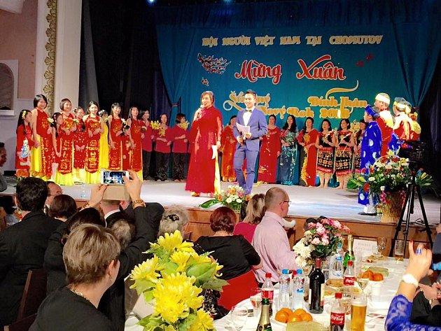 V Městském divadle v sobotu vítali Vietnamci Nový lunární rok 2016.