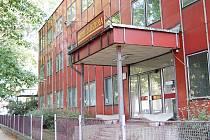 Hotel U Jezera je už tři roky zavřený. Město ho zřejmě zdemoluje.