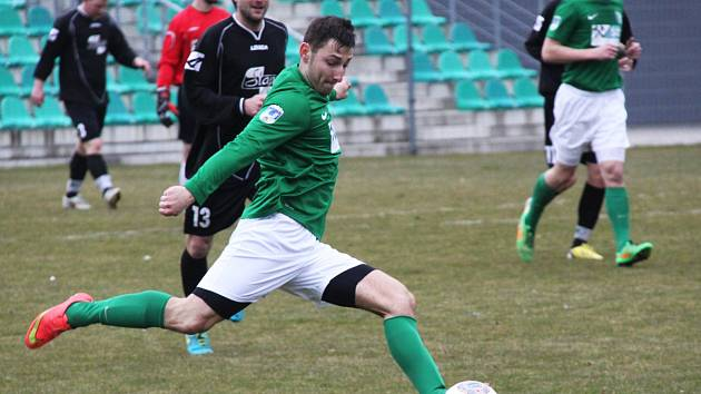 Josef Čížkovský oslavil svůj sobotní svátek prvním jarním gólem Chomutova.