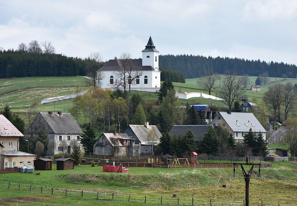 Dominantou Kalku je  původně barokní kostel. sv. Václava. Ve druhé polovině 20. století kostel chátral, jeho obnova začala v 90. letech.