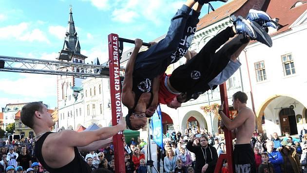 Lyžařská a snowboardová show v Chomutově.