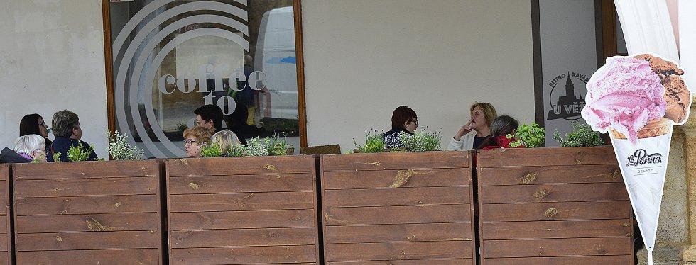 Majitelé chomutovských restaurací se připravují na otevření.