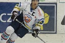 ÚTOČNÍK KLH CHOMUTOV MIROSLAV HLINKA je největší postavou české druhé nejvyšší hokejové soutěže