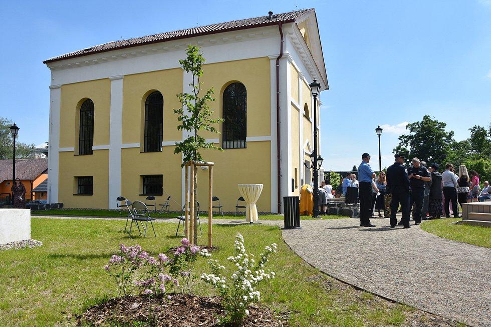 V Jirkově slavnostně otevřeli obnovenou synagogu. Sloužit bude jako kulturní a společenské centrum.