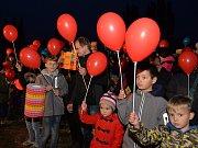 Vznik republiky slavily i děti. Lampiony doprovodily Masaryka