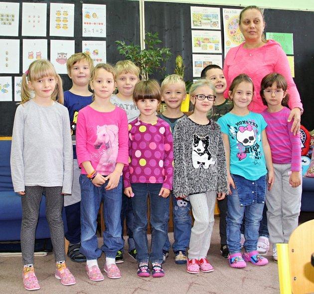 Žáci jednotřídky ZŠ Spořice paní učitelky Jany Koláčkové.