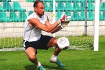 Dlouholetou oporou fotbalistů FC Chomutov je gólman Radek Zaťko