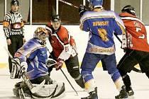 KLÁŠTEREČTÍ HOKEJISTÉ vyhráli na ledě českolipských Predátorů 4:2 a vyhráli tak čtvrtý zápas v řadě.
