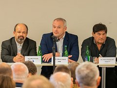 Miloň Houda (Patrioti ČR), Marek Hrabáč (ANO 2011), Václav Kohout (PRO zdraví a sport).
