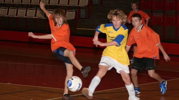 Zápas mezi chomutovskou 9. základní školou a jirkovskou 4. základní školou skončil drtivým vítězstvím  jirkovských žáků 6:0!.