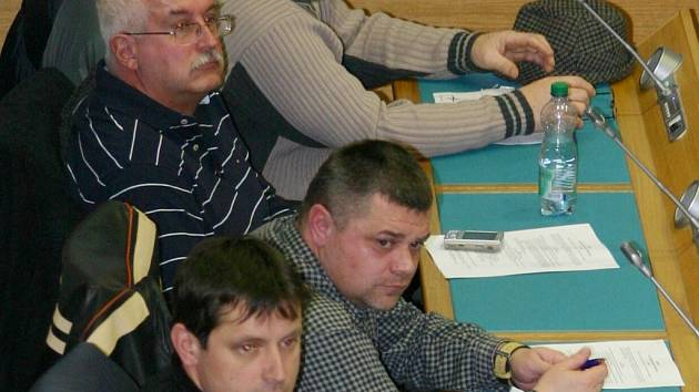 Diskutovat na radnici přišlo na 150 lidí.