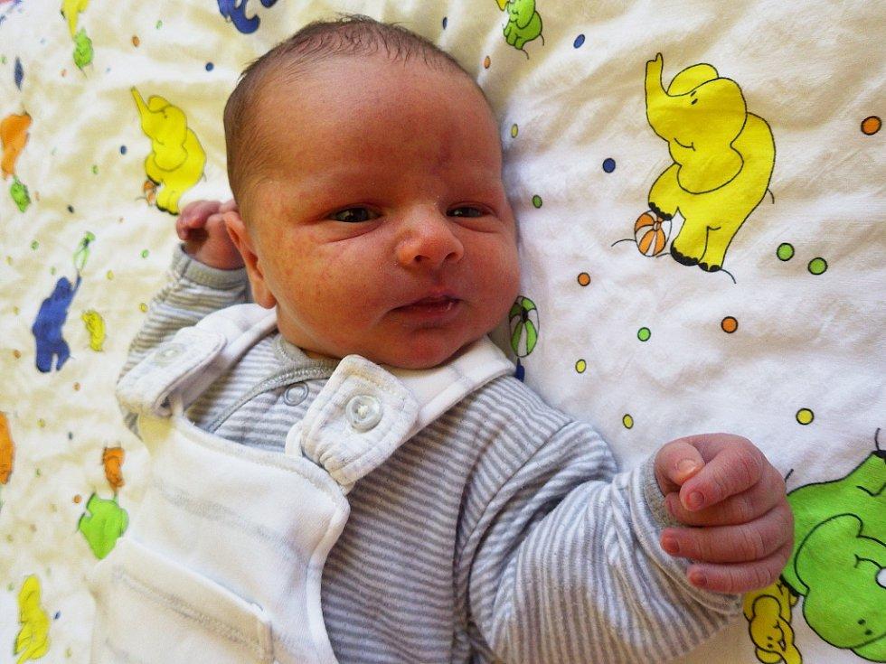 Jakub Hrabal se narodil jako první občánek města Jirkova a zároveň celé České republiky 1. ledna 2018, 25 sekund po silvestrovské půlnoci rodičům Daniele a Martinu Hrabalovým. Vážil 3,67 kg a měřil 50 cm.