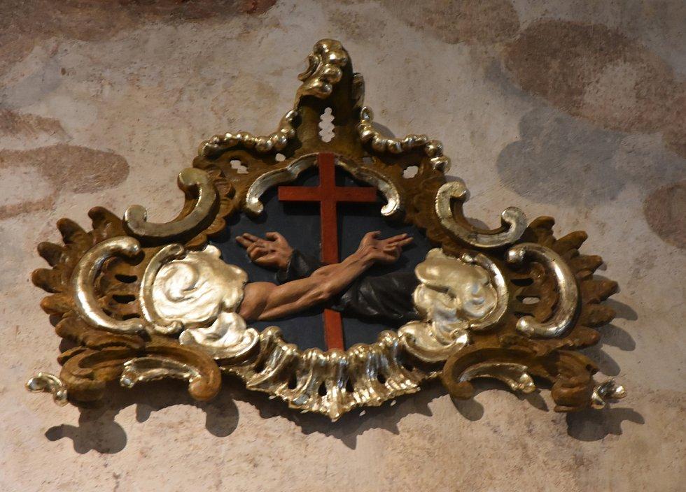 Starý znak řádu františkánů.