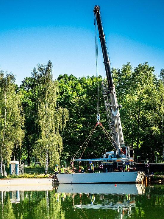 Na Kamencovém jezeře roste nové molo