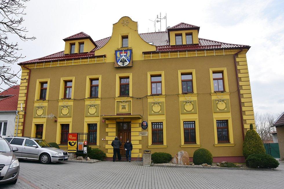 Obecní úřad v Hrušovanech