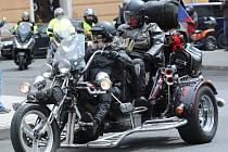 Sraz motorkářů v Kadani.