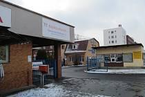 Žena která byla hospitalizovaná v chomutovské nemocnici s chřipkou zemřela na zápal plic.