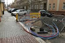 Práce v ulici Vršovců v Chomutově