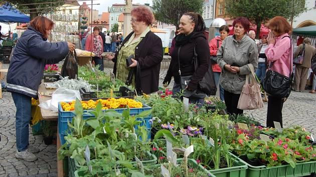 Farmářské trhy v Chomutově.