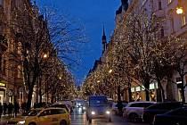 Luxusní Pařížskou ulici vyzdobili Klášterečtí.
