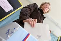 Jako volební místnost posloužila i jedna z tříd 4. ZŠ v Jirkově.