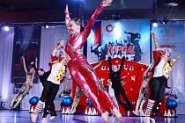 BRONZOVÝ CIRKUS. Největší úspěch sklidila taneční škola Stardance s juniorskou formací Vítejte v Cirkusu.