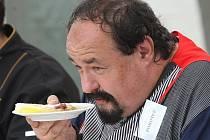 Předseda poroty, bavič Petr Novotný.