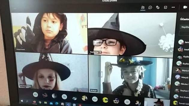 Online pálení čarodějnic proběhlo ve 4. C na Kadaňské.